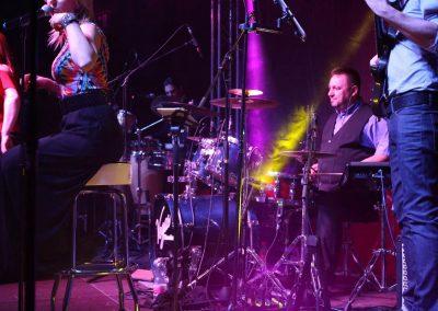 Vegasshowband a színpadon