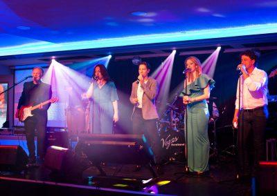 Mogyoróssy Adrienn és a Vegas Show Band esküvői zenekar