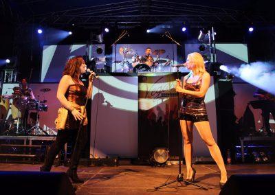 Vegasshowband esküvői zenekar és Mogyoróssy Adrienn